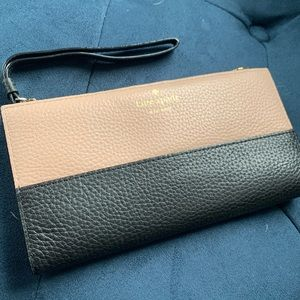 Kate Spade pebbled leather wallet